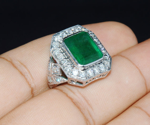 Certified Natural 7.5CTS VS F Diamond Zambian Emerald 18K Solid Gold Halo Ring