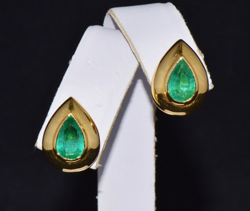 Certified Natural 2.65Cts Colombian Emerald 18K Solid Gold Italy Dome Stud Earrings