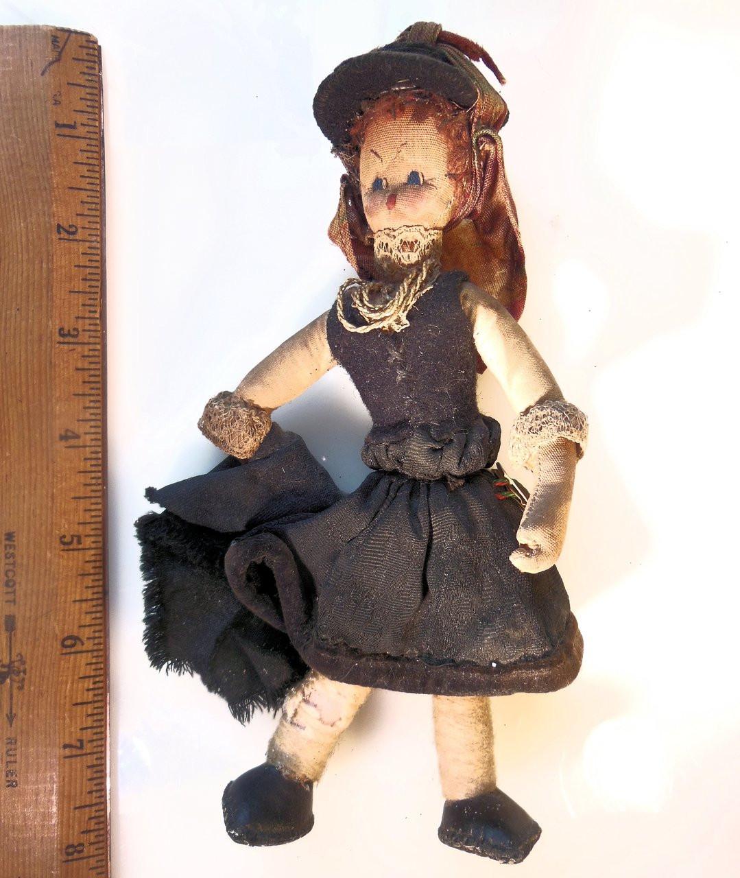 Mascotes De Maria Helena, Handmade Vintage Folk Art Doll from Portugal