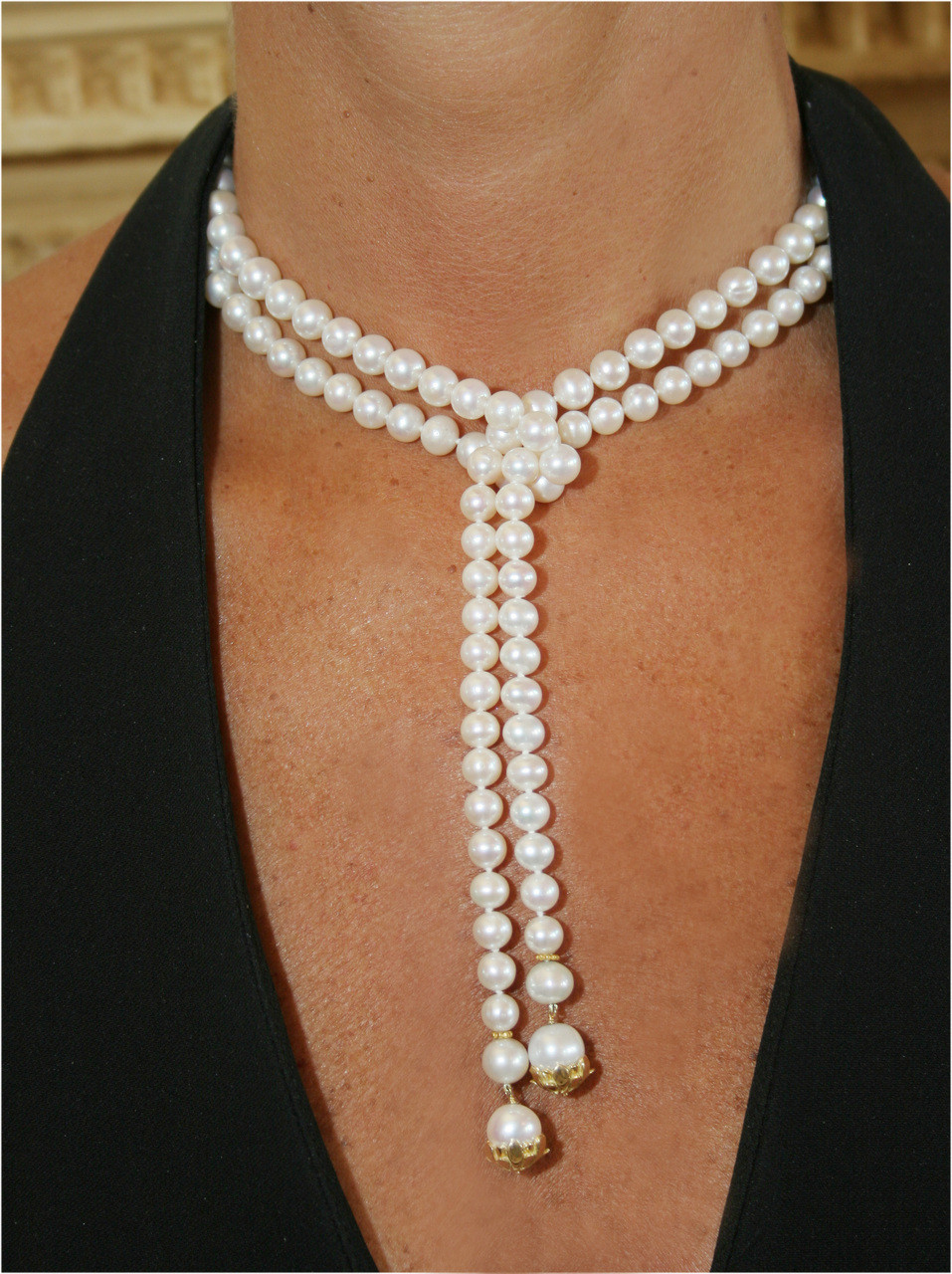 Pearl Lariat-Flower tips in 18K gold