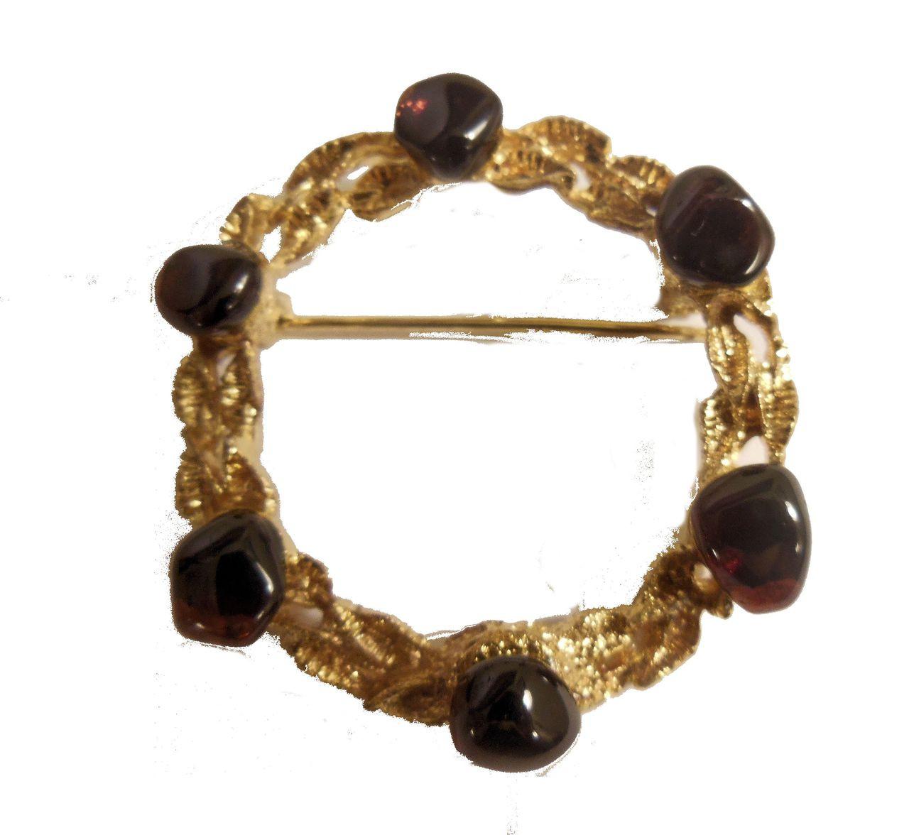 Vintage Brooch - Circle with Garnet