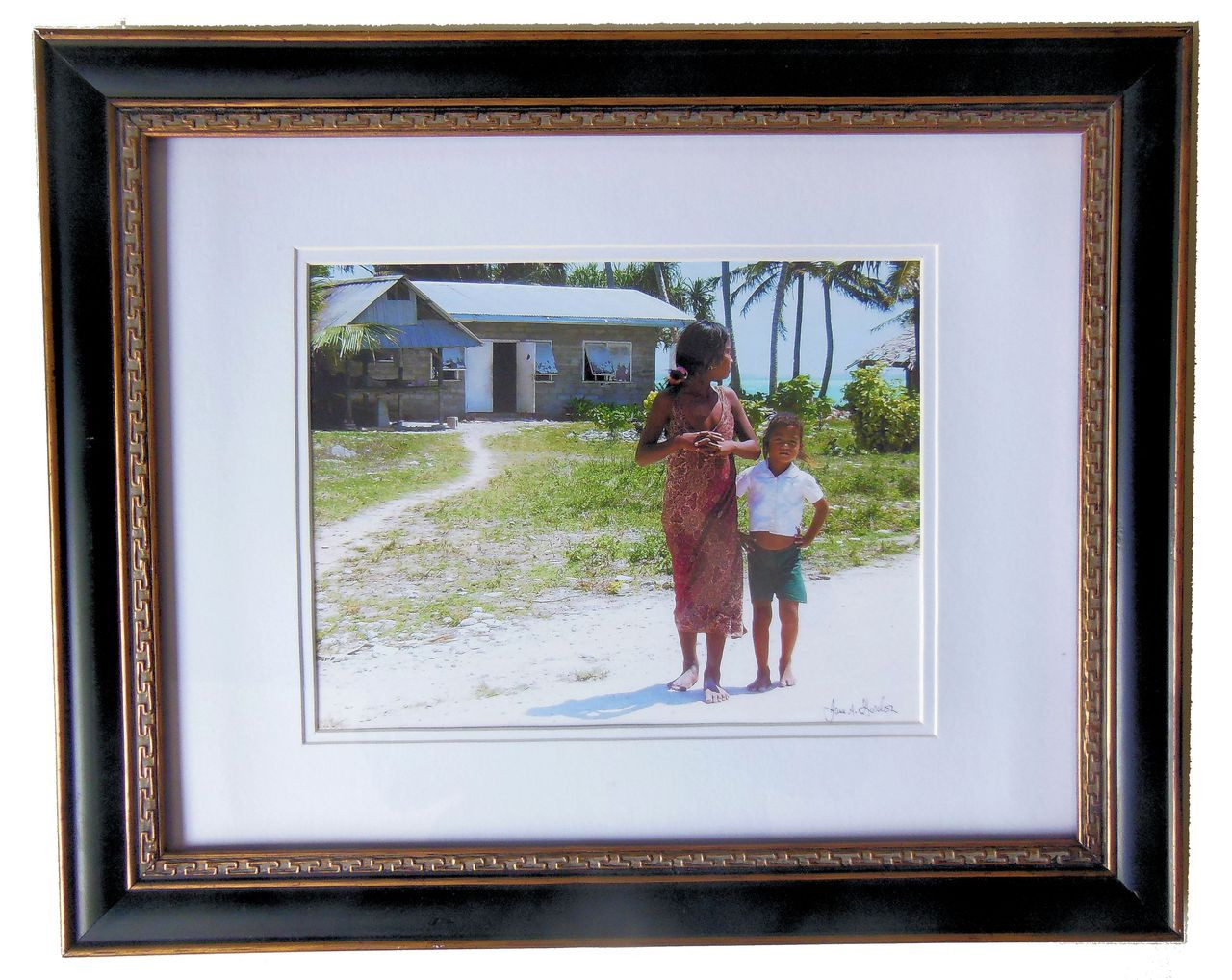 """""""Are you Looking at Me?"""" Fanning Island framed and signed photo."""