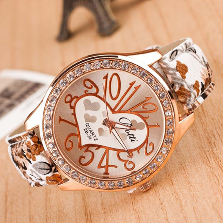Love Gift Heart Pattern Flower Leather Band Quartz Analog Wrist Watch