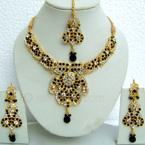 Black American Diamond Necklace Set