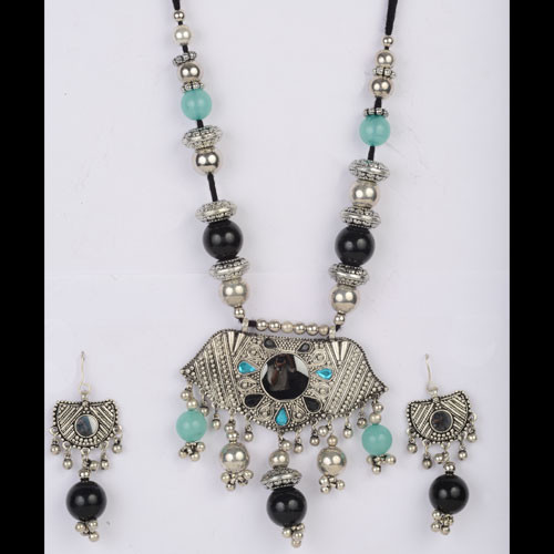 Charismatic Silver Necklace Set Studded with Multicolor Stones