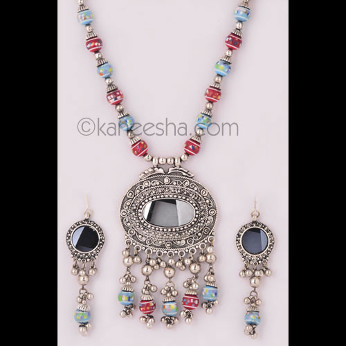 Fashionable Indian Silver Necklace Set