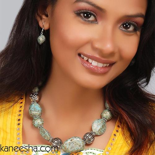 Turquoise Fusion Fashion Resin Stone Necklace Set