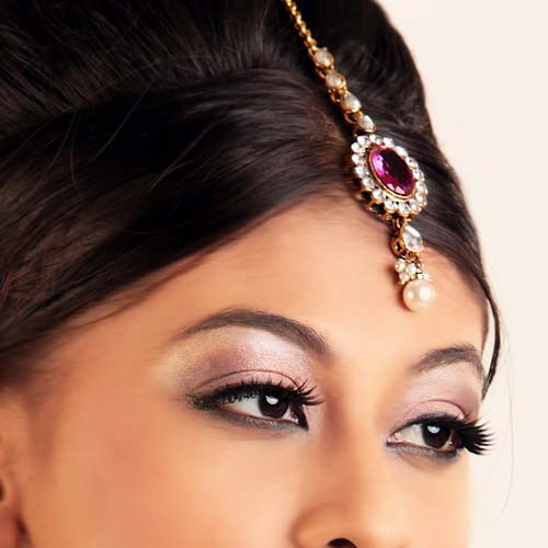 India Forehead Tikka in Gold Plated American Diamond