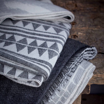 L'Objet Double Face Baby Alpaca Throw - Ecru + Charcoal