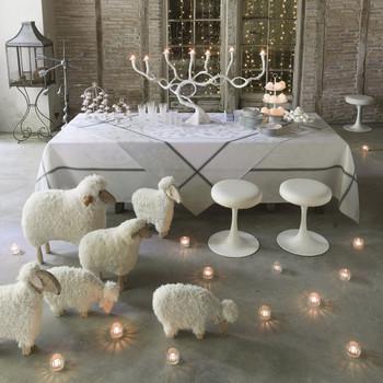 Le Jacquard Francais Contes D'Hiver Snowflake Tablecloth