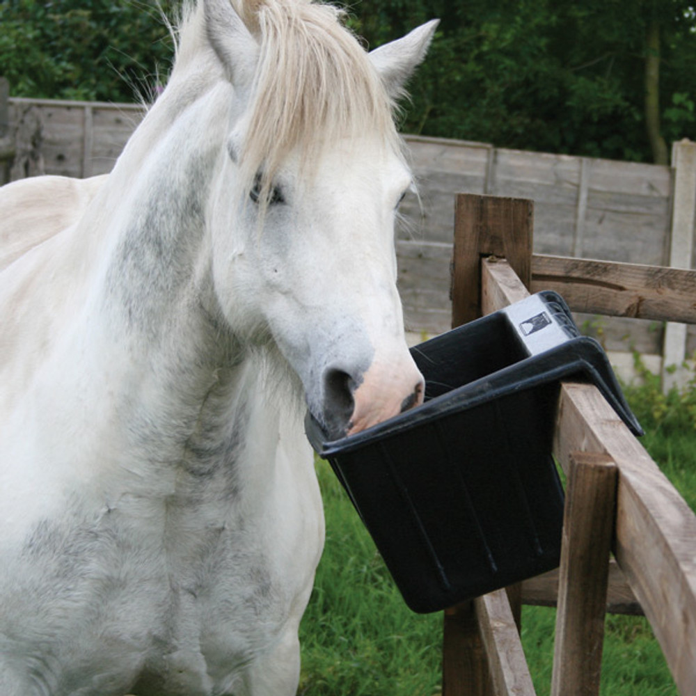 Tyre Rubber Range - Hanging Manger  easy to hang of the fence horse feeder.