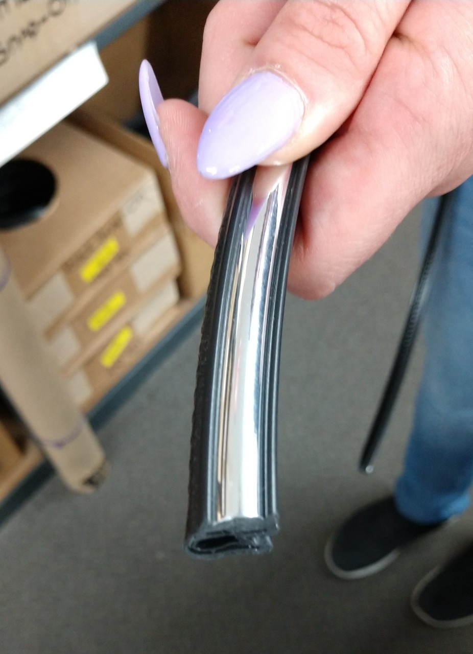 "Snap-on Trim is BLACK Center CHROME Outer Edge is BLACK Fits up to a 3/16"" Edge Thickness with a Leg Length of 17/32"""