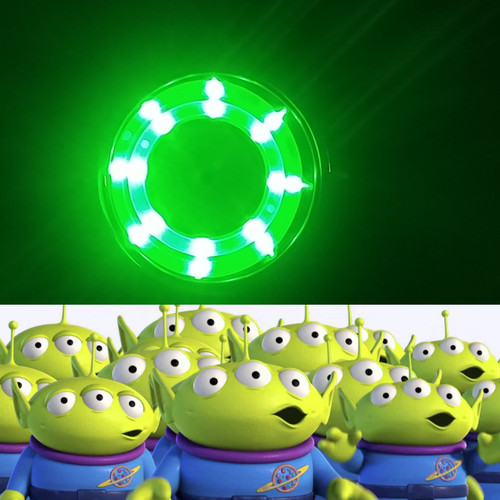 Ooooooooh, look at the pretty green lights..........