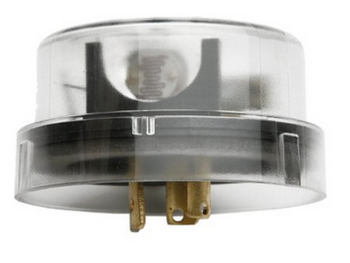 Outdoor Twist-To-Lock Light Control with Light Sensor