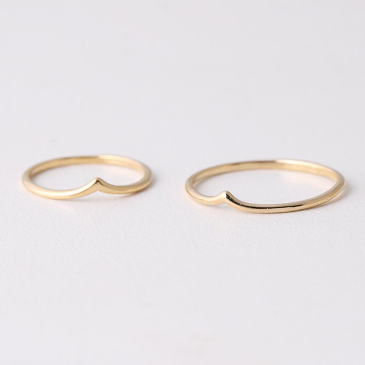 Chevron Yellow God Diamond Wedding Rings