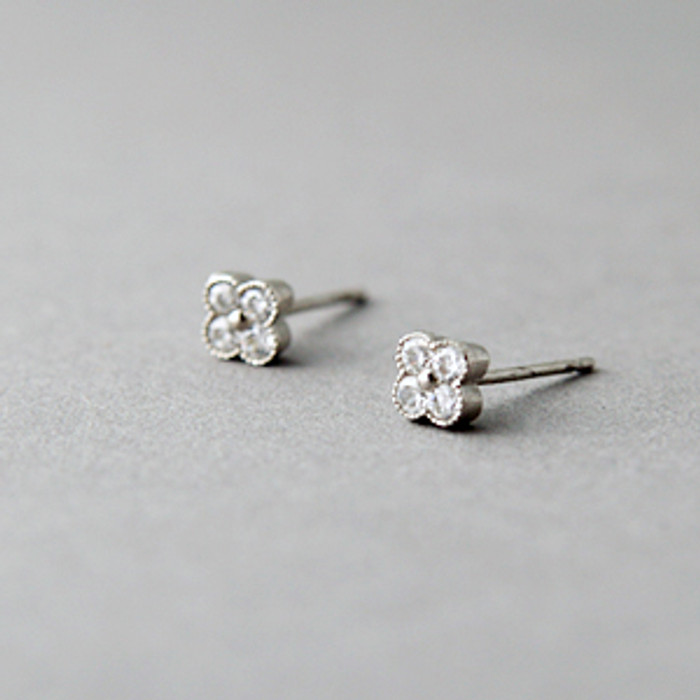 Tiny Daisy Stud Earrings Sterling Silver