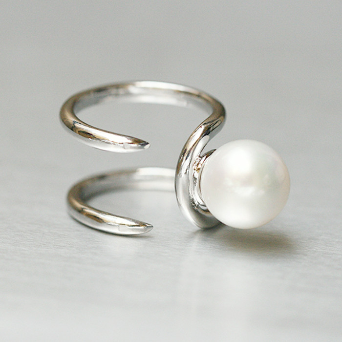 Pearl Parallel Claw Knuckle Ring White Gold from kellinsilver.com