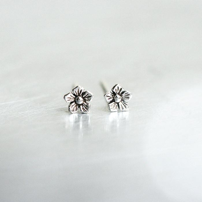 Oxidized Silver Tiny Daisy Earrings Stud from kellinsilver.com