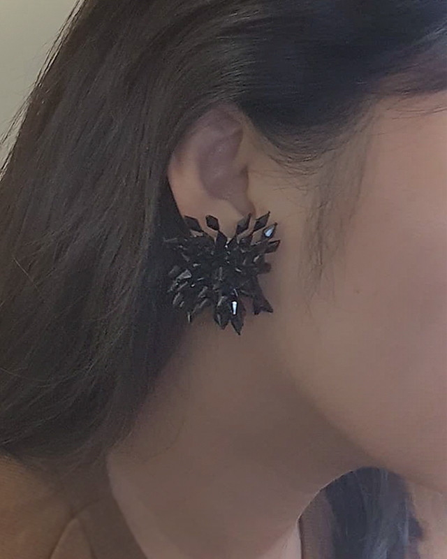Black Beaded Blossom Studs from kellinsilver.com