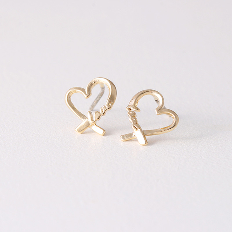 Gold Love Heart Studs Earrings from kellinsilver.com