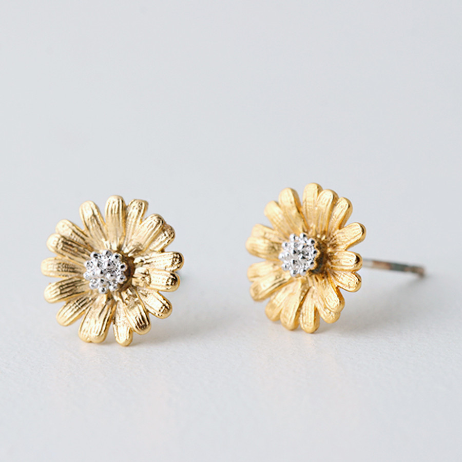 festival wear romantic collection features outfit daisy silver matching daisyearrings to earrings stud flower gold will bring and the with twist drop your a rose ethereal it