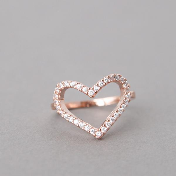 swarovski heart ring rose gold. Black Bedroom Furniture Sets. Home Design Ideas