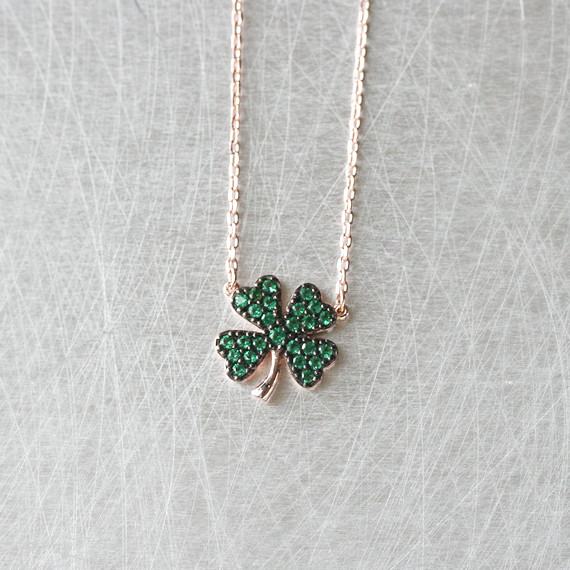 Emerald Green Four Leaf Clover Necklace Rose Gold