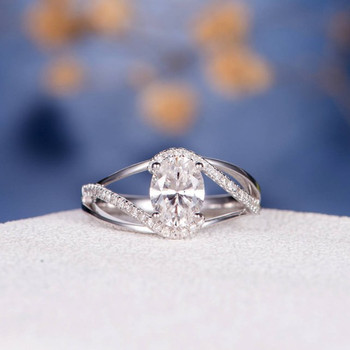 6*8mm Oval Cut Moissanite Split Shank Curved Diamond Engagement Ring