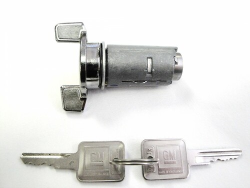 Strattec 701398 GM Ignition Lock With Keys
