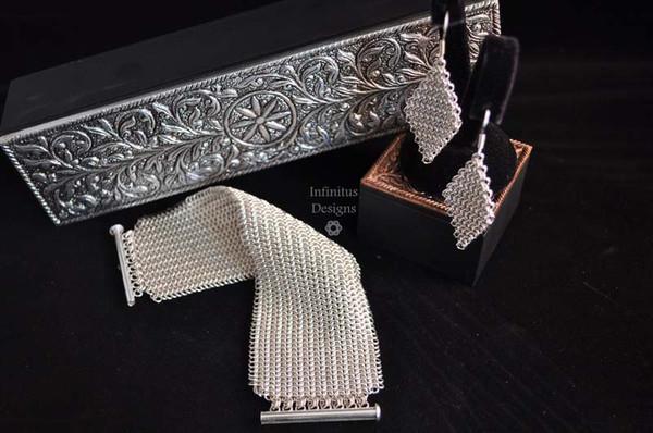 E Aho Laula & Diamond Mesh, by Infinitus Designs