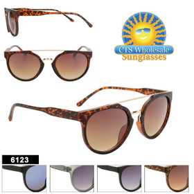 Women's Retro Sunglasses Wholesale - Style #6123 (Assorted Colors) (12 pcs.)