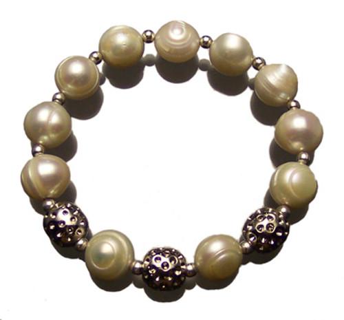 Sporty Chic Pearl Golf Bracelet