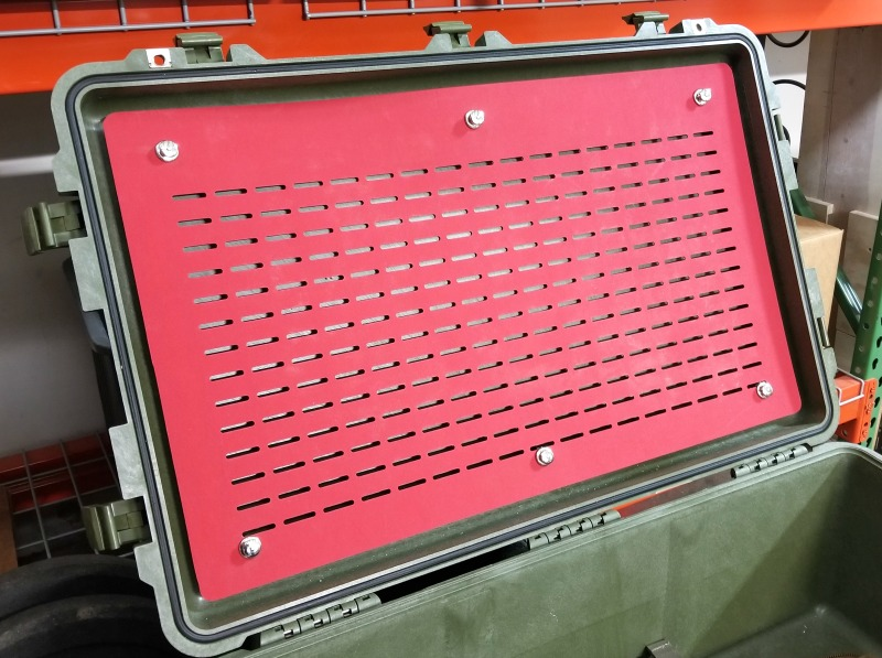pelican-1650-lid-orgaziner-with-tenax.jpg