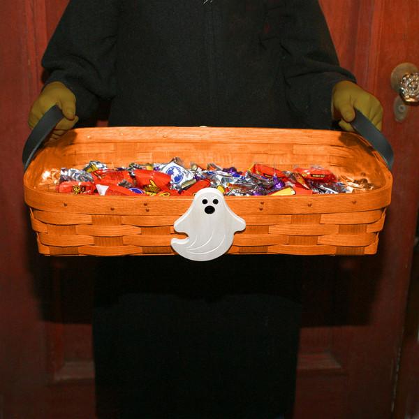 Peterboro Halloween Front Door Candy Server