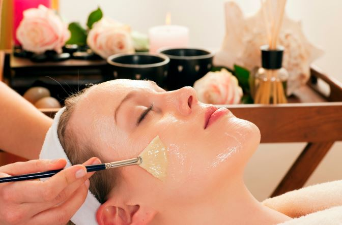 woman-chemical-peel-face-mineral-makeup-safe.jpg