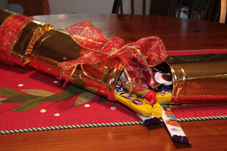 Fun Christmas Cracker Centerpiece!