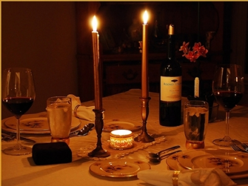 How to create a truly romantic and intimate dinner