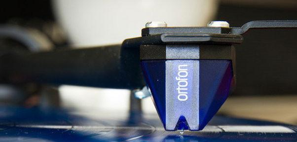EAT B-Sharp  Ortofon 2M Blue