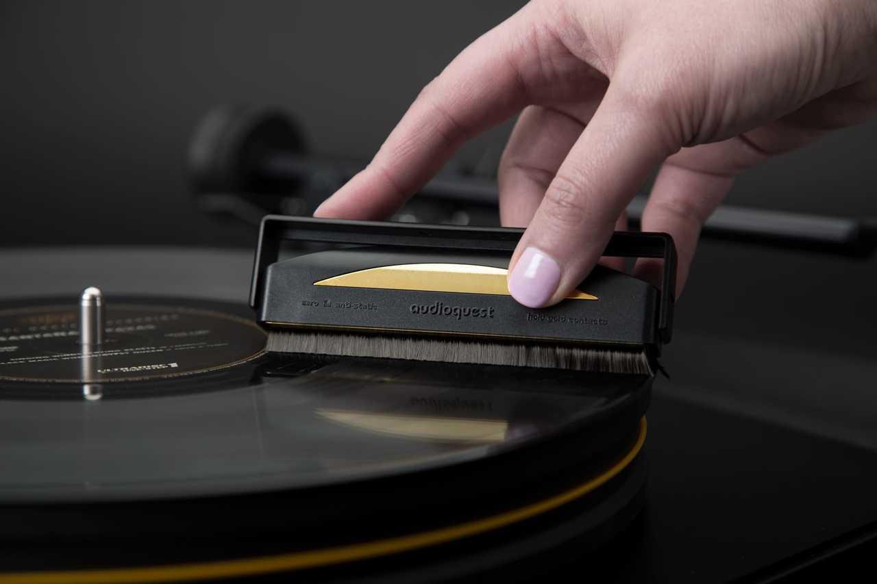 AudioQuest Anti-Static Record Brush. True Audiophile