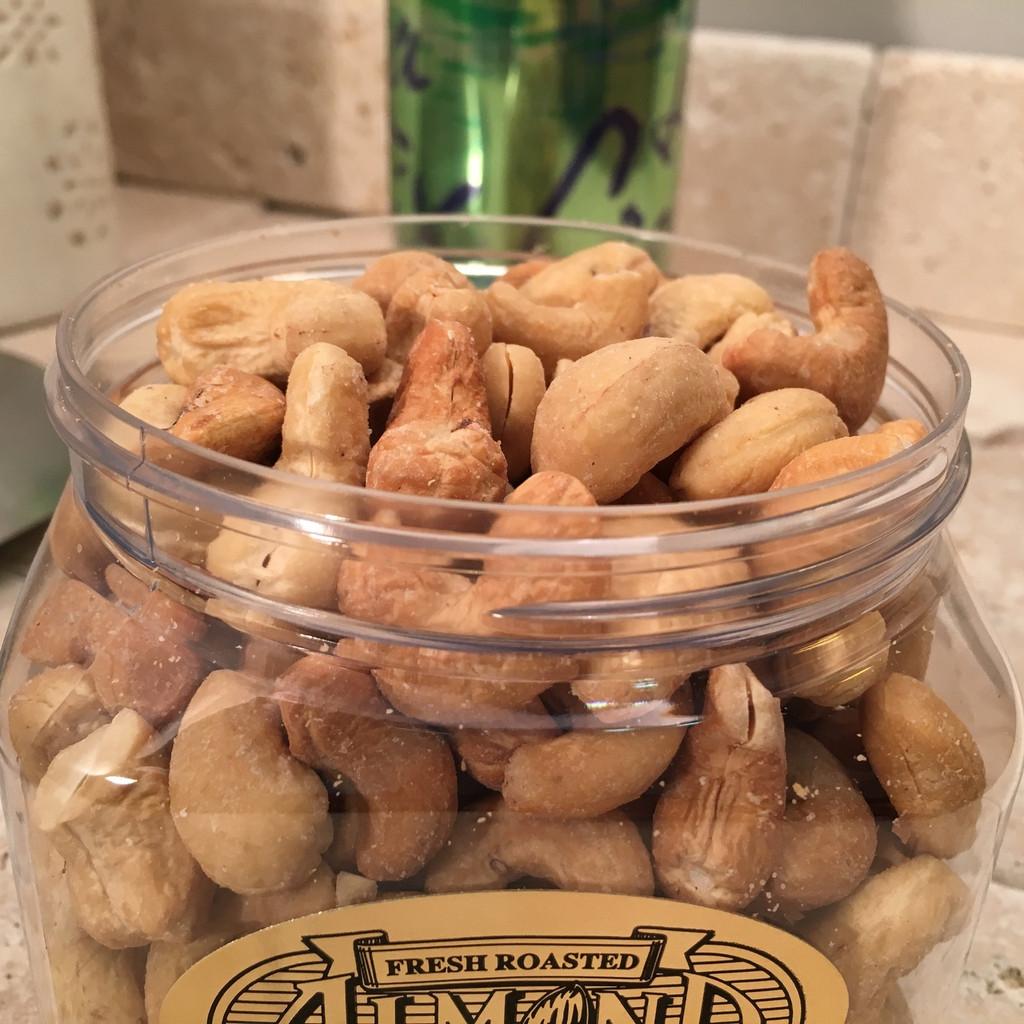 1/2 lb. Jar Roasted, Salted Cashews