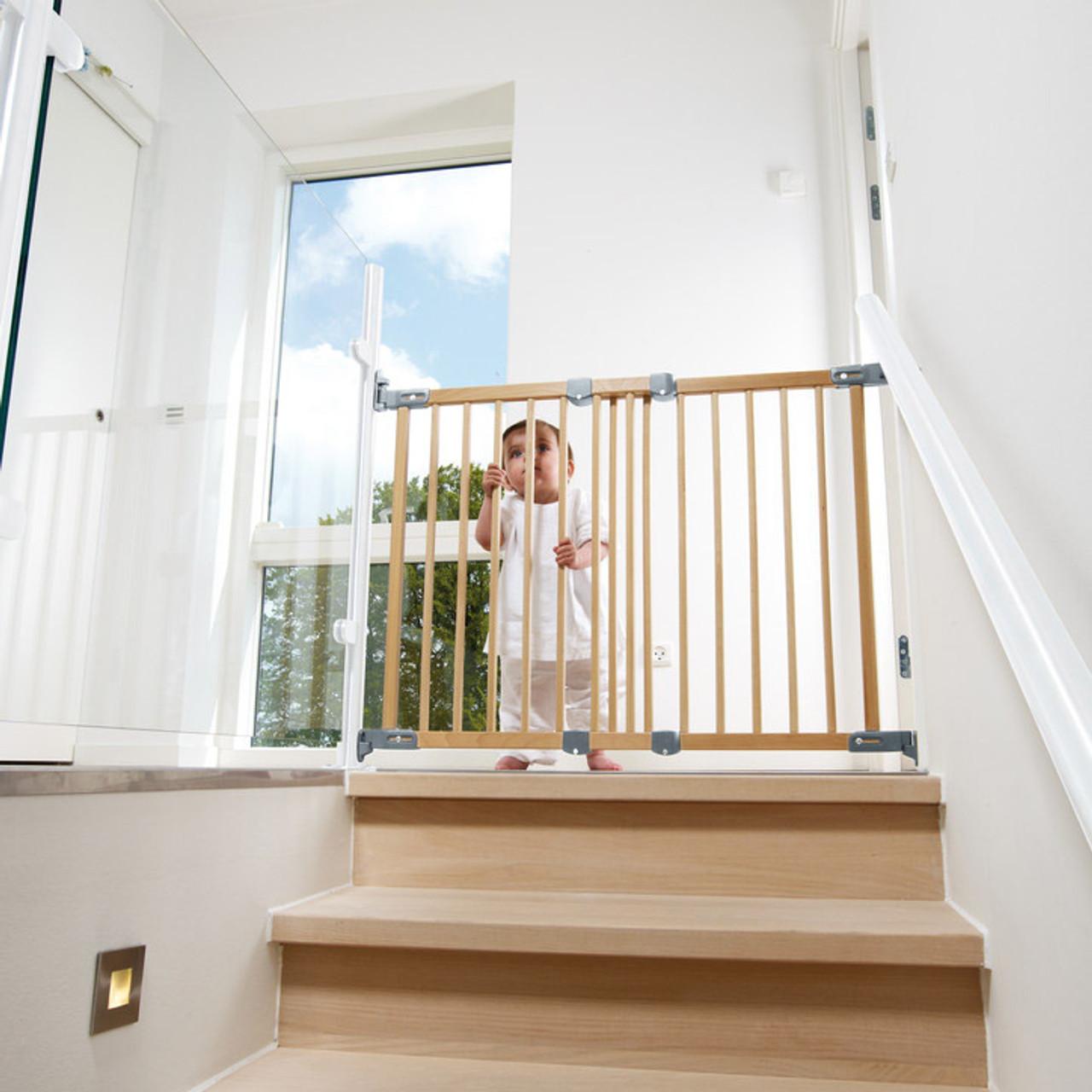 BabyDan Flexi Fit Wooden Stair Gate (69   106.5 Cm)