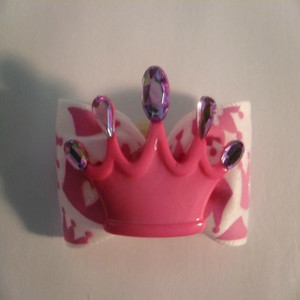 Crowning Around Pretty in Pink Bow
