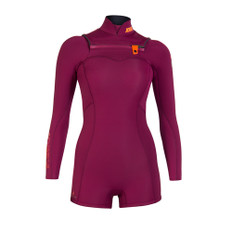 JOBE's Women's Vienna Wetsuit is just the style you need when you're out on the water. The short leg feature allows you to still experience the water and provide more flexibility while you're doing your activities. 748375/748373/748374