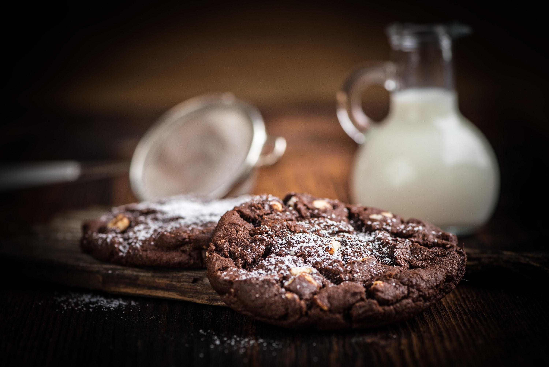chocolate-cookies-dessert-94278.jpg