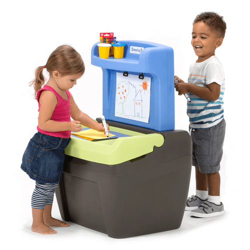 Simplay3 Toy Box Easel has a 360 design so kids can use both sides at the same time!