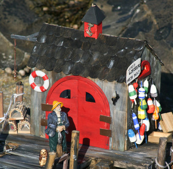 Annies Lobster Shack Dollhouse Kit