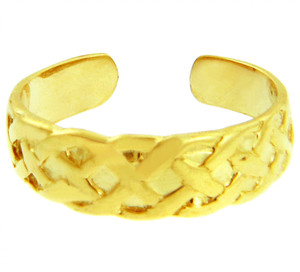 Bold Yellow Gold Trinity Knot Toe Ring