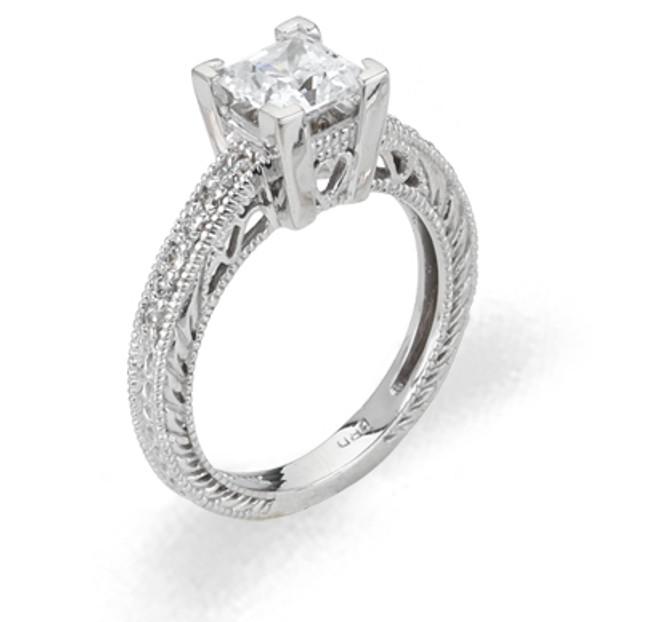 Ladies Cubic Zirconia Ring - The Maira Diamento