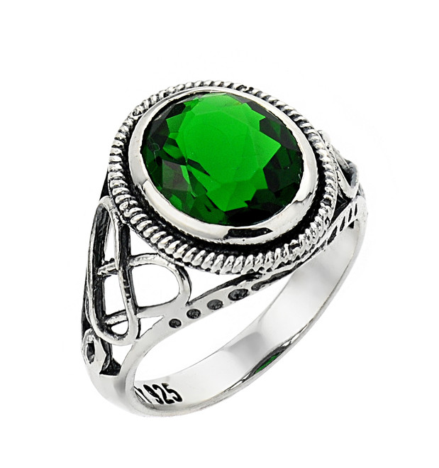 Silver ladies trinity knot ring with emerald.
