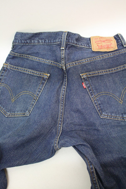 9ef68f1d135 ... LEVI STRAUSS & CO 550 Men's Blue Relaxed Classic Vintage Denim Jeans ...